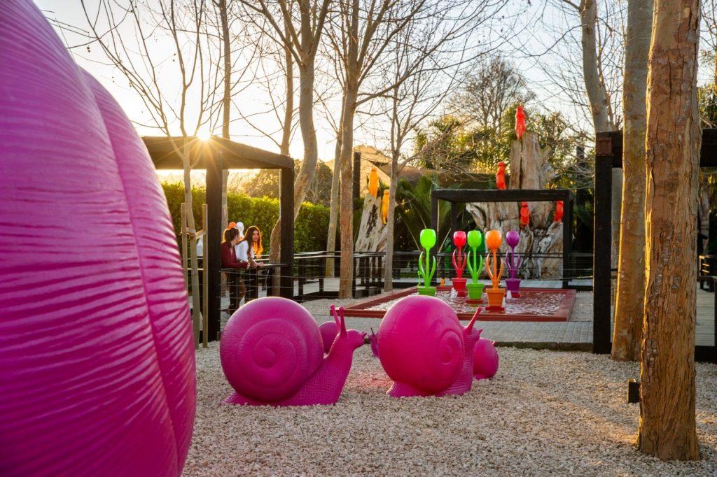 outdoor art gallery