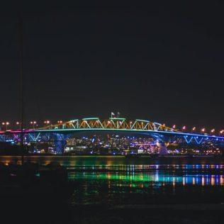 auckland harbour bridge lights