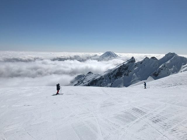 skiing on mount ruapehu